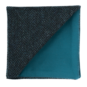 JAGGS_costume_sur_mesure_Belgique_waterloo_bruxelles_pochette_TWEED_Holland_and_Sherry_TURQUOISE_FONCE_CHEVRON_DUNDEE_dos_vert_c