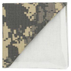 JAGGS-pochette-ACTION-MAN-beige-camouflage-geometrique-dos-blanc