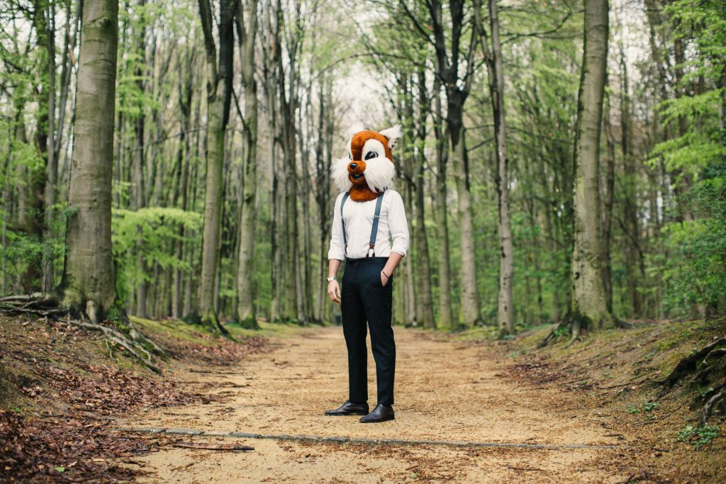 JAGGS_chemise_sur_mesure_costume_sur_mesure_Belgique_waterloo_bruxelles_foret_bretelles_chevron_navy_superior