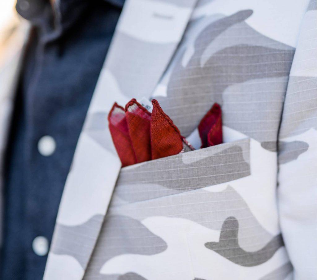 Pochette de costume rouge surveste camo JAGGS