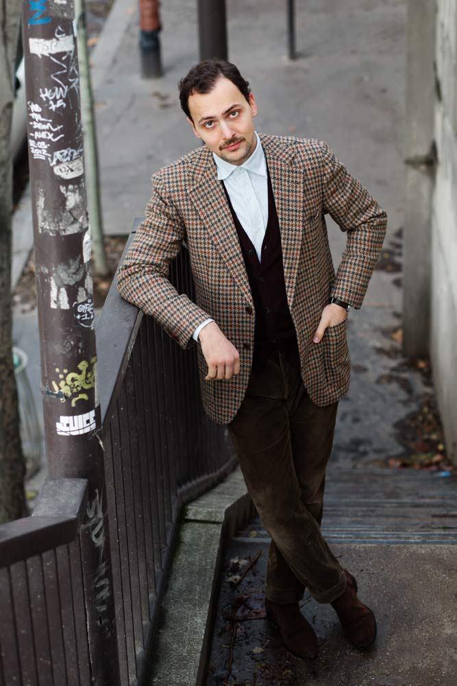 Stephane Buttice en costume pour son blog Gentleman Chemistry