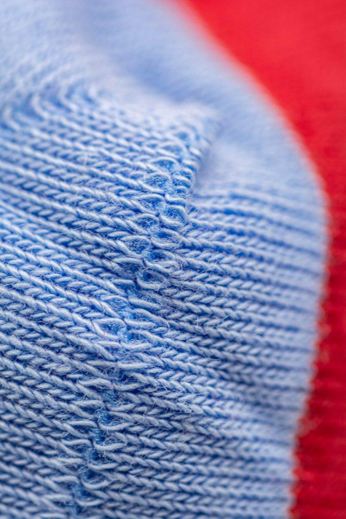 Chaussettes remaillées à la main en coton