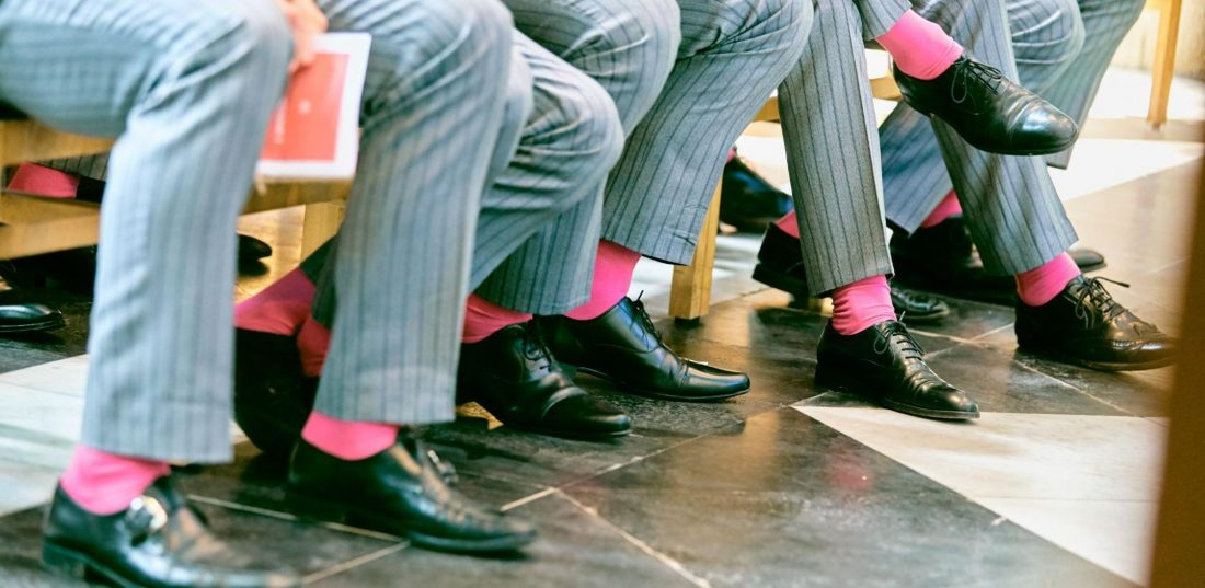 Chaussettes de couleur pour un mariage
